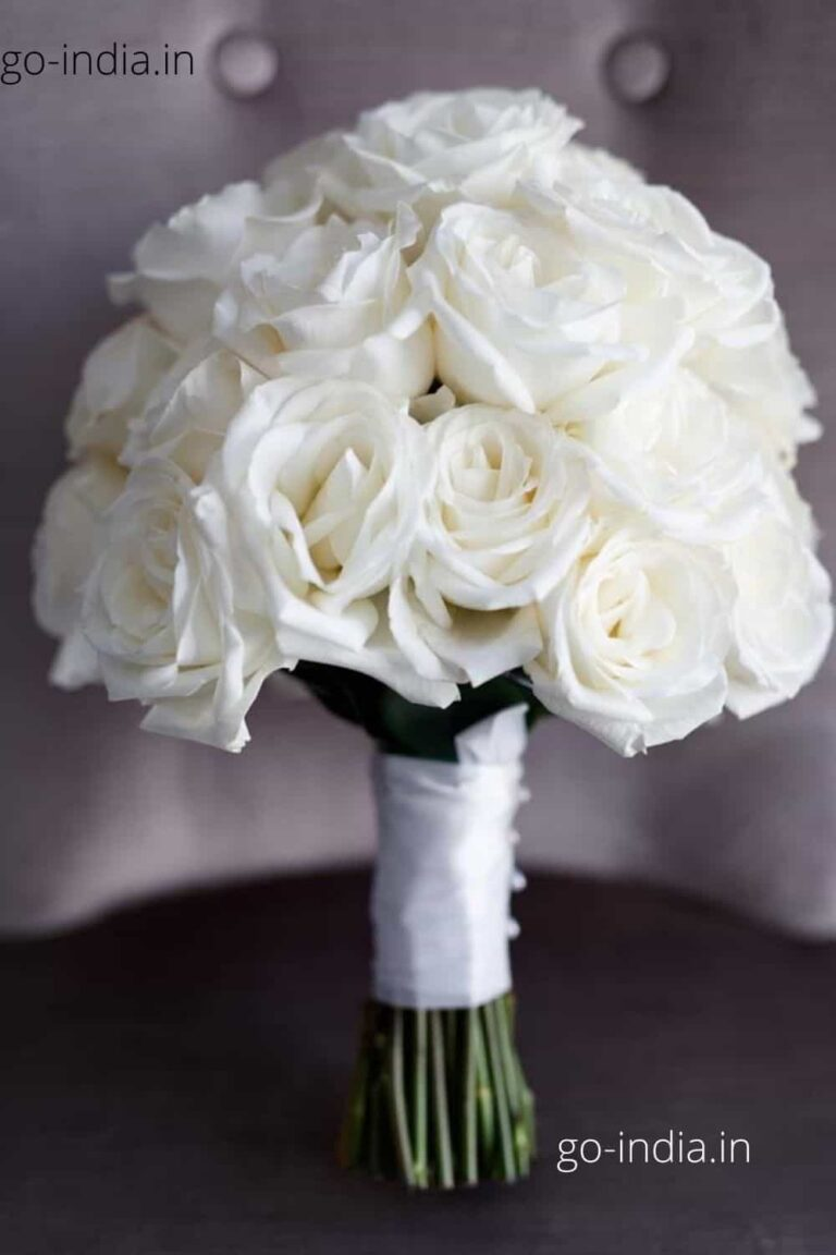a bouque of lovely white rose